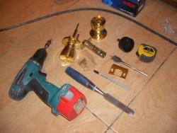 Как врезать замок инструменты